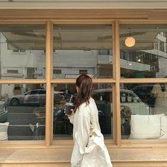 Simple Aesthetic, Aesthetic Girl, Pretty Girls, Cute Girls, Girl Photos, The Dreamers, Ulzzang, Korea, My Style