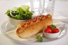 Ζουμερά χοτ ντογκ για να τρελαίνεσαι από γεύση! Hot Dog Buns, Hot Dogs, Grilling, Sandwiches, Toast, Food And Drink, Bread, Ethnic Recipes, Crickets