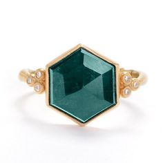 17 Stunning, Non-Diamond Engagement Rings To Lust Over | Bustle