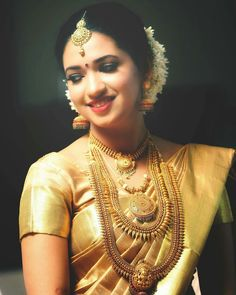 Beauty Pictures: south indian bride in saree Kerala Bride, Hindu Bride, South Indian Bride, Indian Wedding Jewelry, Indian Bridal, Bridal Jewelry, Gold Jewelry, Diamond Jewellery, Bridal Silk Saree