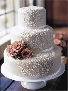 Beautiful Vintage Wedding Cake