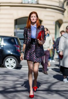 Taylor Tomasi Hill outside Miu Miu on October 5 2016 in Paris France                                                                                                                                                                                 Mais