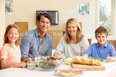 Семья обмена еды