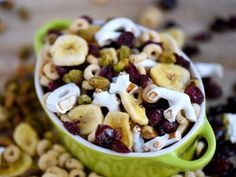 14 Healthy Breakfasts You Can Eat On The Go: Breakfast Trail Mix