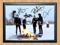 Fall Out Boy Signed Autographed A4 Photo Print Poster CD DVD Shirt Ticket Pic