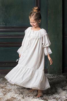 Vintage-inspired girls' nightdress Elizabeth will make your little one feel like a princess. Pyjamas, Kids Nightwear, Luxury Nightwear, Vintage Kids Clothes, Kawaii Dress, Kids Fashion, Steampunk Fashion, Gothic Fashion, Modest Dresses