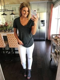 How to Wear White Jeans After Labor Day