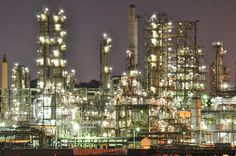 NIKON(ニコン)のカメラ NIKON D5000で撮影した(新磯子町の工場夜景)の写真(画像)