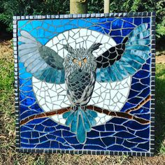 Dolunay ve baykuş. Owl Mosaic, Paper Mosaic, Mosaic Birds, Mosaic Diy, Mosaic Garden, Mosaic Glass, Glass Art, Mosaic Ideas, New Things To Try