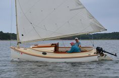 Arey's Pond Boat Yard – Lynx 16′ with Cuddy