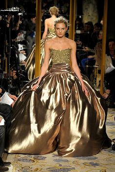 Marchesa Fall 2012 Ready-to-Wear Fashion Show - Romee Strijd