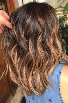 Hair Color 2017/ 2018 Highlighted hair is really glamorous whether it is ombre sombre or balayage. W
