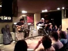 Victor Wooten & Carles Benavent Perform Together in Spain