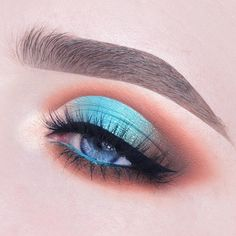 """182.5k Likes, 441 Comments - Kylie Cosmetics (@kyliecosmetics) on Instagram: """"@anneloesdebets #vacationedition Take Me On Vacation palette look: Crease & Lower Lashline: Aloha,…"""""""