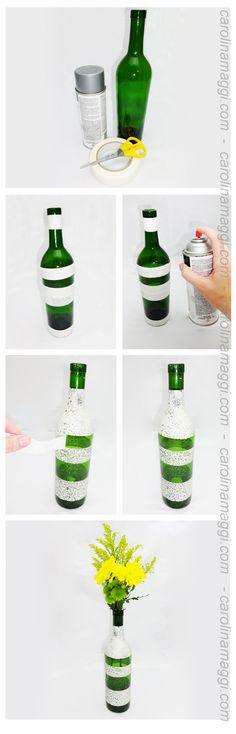 Hazlo tu mismo (HTM) - Recicla: De botella a florero - Dale un uso nuevo a tus botellas de vidrio. Más tutoriales en carolinamaggi.com /  Do it yourself (DIY) Recycle: From bottle to flower vase - Give a new use to your glass bottles. More Tutorials at carolinamaggi.com