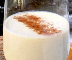 To celebrate this years Mother's Day, I thought I would introduce you to one of my mom's favorite drinks, Sabajón Colombiano. Sabajón is the Colombian version Colombian Drinks, Colombian Desserts, Colombian Dishes, My Colombian Recipes, Colombian Cuisine, Raw Food Recipes, Fall Recipes, Gourmet Recipes, Sweet Recipes