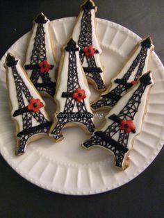 Black and Red Persian Cookies, by Fairytale Frosting Paris Party, Paris Theme, Cute Cookies, Cupcake Cookies, First Communion Cakes, Fancy Cupcakes, Paris Cakes, Horse Cake, Book Cakes