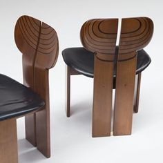 Africa Chairs by Tobia Scarpa.... recently purchased for a project 👌🏼#lookatthatbutt #beauitfulbehind
