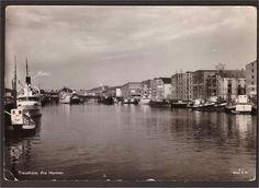 Sør-Trøndelag fylke Trondheim. Havnen. Utg Mittet 1950-tall.