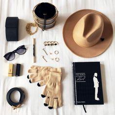 10 accesorios de Invierno 2021 Blog, Fashion, Military Cap, Military Camouflage, Winter Accessories, Color Accents, Earmuffs, Moda, Fashion Styles