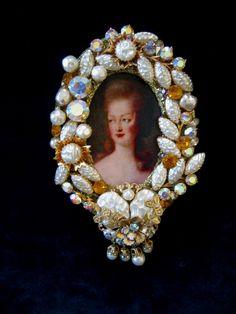 Baroque Pearls Rhinestones Vintage Jewel Frame