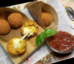 DEFFI_ART_CAFE ARANCINI — РИСОВЫЕ ШАРИКИ С МОЦАРЕЛЛОЙ — DEFFI_ART_CAFE
