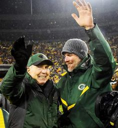 Bart Star and Brett Farve on November 26th, 2015. The night #4 had his number retired in the Green Bay Packer Hall of Fame. `™`