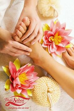 Develop a ritual to pamper yourself every weekend. A foot massage should be ideal to begin with. ‪#‎RelievingRituals‬ ‪#‎thaisabaispa‬  Call now - Hyderabad: +91 40 2354 6666 Bangalore: +91 80 4151 3090  Chennai: +91 44 4203 2124, +91 44 42186777