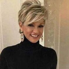 Langes Pixie-Haar für ältere Frauen Long pixie hair for older women Long Pixie Hairstyles, Short Hairstyles For Women, Hairstyles For Over 50, Easy Hairstyles, Short Layered Hairstyles, Modern Hairstyles, Girl Hairstyles, Hairdos, Hairstyles For Fine Hair