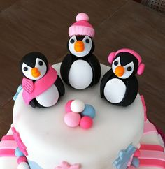 I love this Penguin Cake for Jaz, it's perfect!