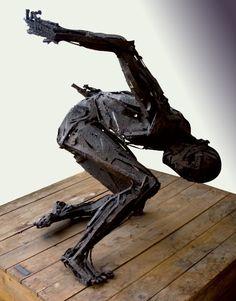 Geremia Renzi, Condizione umana, scultura in ferro, 90x90x110cm, 1991 Bugatti, Metal Art, Sci Fi, History, Anime, Iron, Science Fiction, Anime Shows, Historia