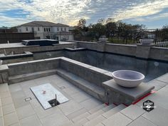 Installation in progress for a luxury rooftop pool and spa with the Quarry Mill's Newton real dimensional thin stone veneer. #naturalstoneveneer #realstoneveneer #thinstoneveneer #stonesiding #quarrymill #quarry #masonry #architecture #rooftoppool #poolandspa #designideas #designinspiration #luxurypool #outdoorliving Real Stone Veneer, Natural Stone Veneer, Natural Stones, Stone Siding, Rooftop Pool, Outdoor Living, Outdoor Decor, Unique Colors, Spa