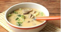 Homemade Cheddar and Mushroom Soup – Everyday Food with Sarah Carey Dinner Soup – Dinner Recipes Dutch Recipes, Soup Recipes, Great Recipes, Cooking Recipes, Broccoli Cheese Soup, Broccoli Cheddar, Fresh Broccoli, Mushroom Soup, Mushroom Recipes
