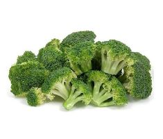 Steamed Broccoli tips. Eat broccoli fresh or steamed. Enjoy an abundant source of anti-oxidants and vitamins in this cruciferous vegetable. Fresh Broccoli, Broccoli Salad, High Protein Vegetables, Fruits And Vegetables, Broccoli Health Benefits, Low Carb Grocery, Healthy Life, Health Tips, Healthy Recipes