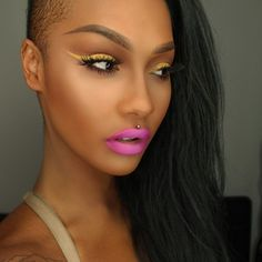 Maquiagem Eye Make Up Dark Skin Delineado amarelo Yellow eyeliner Pink lips Pink lipstick Batom rosa Yellow Makeup, Bright Makeup, Eye Makeup Art, Beauty Makeup, Hair Makeup, Makeup Trends, Makeup Tips, Makeup Ideas, Lipstick Pencil