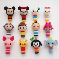 15 baby toys that you can make for free Crochet Disney, Kawaii Crochet, Cute Crochet, Crochet For Kids, Crochet Crafts, Yarn Crafts, Crochet Projects, Crochet Baby Toys, Crochet Animals