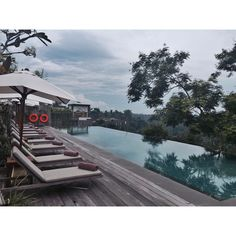 Bali_Mar 2016 #Indonesia#Bali#Ubud#BismaEight #InfinityPool#Travel#Snap #인도네시아#발리#우붓#비스마에이트 #인피니티풀#발리숙소#여행#인증샷 흐려서 더 운치있던  인피니티풀 by ully_stagram