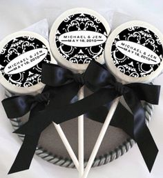 Black and white lollypop favors - #weddings #black