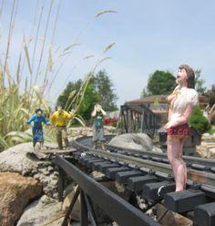 G-Scale Garden Trains - visiting Winona Garden Railway www.gscaletrain.blogspot.ca