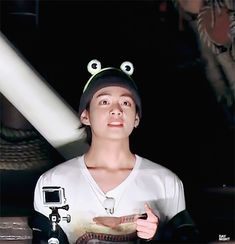Uploaded by Find images and videos about gif, bts and korean on We Heart It - the app to get lost in what you love. Daegu, Bts Bangtan Boy, Bts Boys, Jimin, V Taehyung, Foto Bts, Bts Photo, Taekook, K Pop