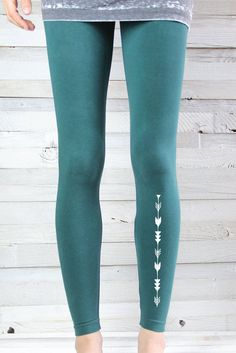 YOGA legging flèche dimpression Leggings Yoga par ArimaDesigns