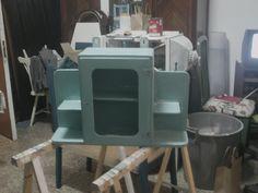 #Móveis Reciclados: Criações da Ângela #Alteraçãooupinturademobiliáriocriadanonossoatelier #Vetusinnovo #Reciclagem #Mobiliário #Antiguidades #Chalkpaint #Móveisreciclados #Furniture #Paintfurniture #Autentíco #Recycling #Antiques #DIY #shabbychic      https://www.facebook.com/M%C3%B3veis-Reciclados-Cria%C3%A7%C3%B5es-da-%C3%82ngela-335815163239929/?ref=bookmarks