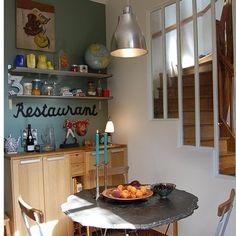 la cuisine côté restaurant Cosy Kitchen, Kitchen Dining, Dining Room, Small Bathroom, Architecture Design, Ikea, Sweet Home, New Homes, Restaurant