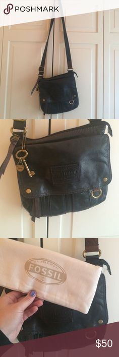 Cross body Fossil bag Great black leather Fossil cross body bag with brown stitching. Lots of compartments and a great traveling bag! Lightly used and in great condition. Fossil Bags Shoulder Bags