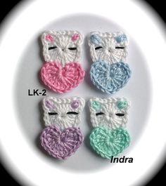 *1 x eine neue handgehäkelte kleine Katze mit Herz*   ca: 3.2 x 4.9 cm    Gehäkelt aus 100% Baumwolle   *Mein Entwurf in kleine Version !*  Die Farbe können Sie selbst auswählen!!!  1. rosa 2....