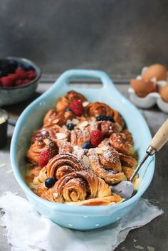 Rezept Franzbroetchen Arme Ritter aus dem Ofen / Bread and Butter Pudding / French Toast mit Beeren Fruehstuecksglueck zuckerzimtundliebe