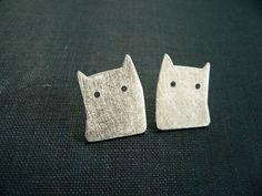cat earrings silver minimal jewelry unique handmade by lucialaredo, #HandmadeSilverJewelry