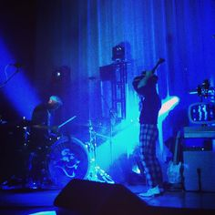 """Jack may be the """"Bossman"""" but who is the real boss? The drums provide the tempo and the feel...the drummer controls how fast the song goes. #darujones #drums #percussion #jackwhite #livemusic #guitar #lazaretto #lazarettotour #foxtheater #pomona #california #ca #livemusic #rocknroll #musicissacred #thirdmanrecords #thirdmanrecordsofficial by longblackwavyhair3"""