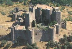 CASTLES OF SPAIN - The Battle of Villanueva de Barcarrota was fought in 1336 near the town of Villanueva de Barcarrota in Extremadura between troops of the Kingdom of Portugal led by Pedro Afonso de Sousa, and troops of the Kingdom of Castile . The Portuguese were defeated. As a result, Afonso IV of Portugal, who was besieging the city of Badajoz, ordered the siege to be lifted and returned with his troops to Portugal.