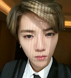 Oh my god!!!!!!!! Soooooooooooo handsome♥♥♥♥ I love you luhan my deer:) #Luhan